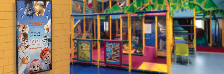 1- slider background playhouse