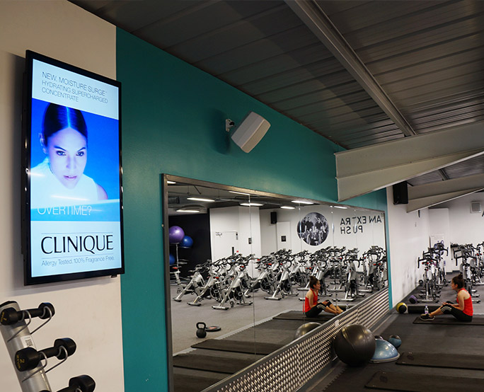 Clinique D6, Health club, Weights, training bikes