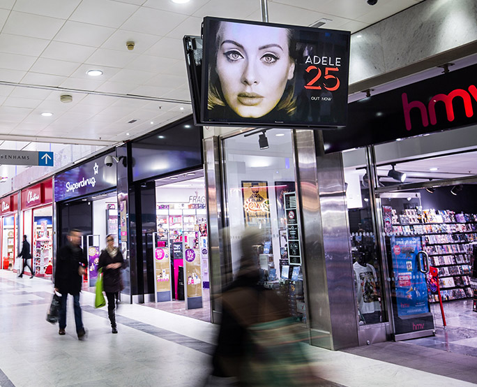 Adele iconic in shopping mall
